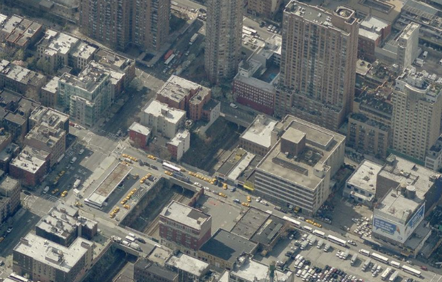 505 West 43rd Street, open railroad cut in center, image from Bing Maps