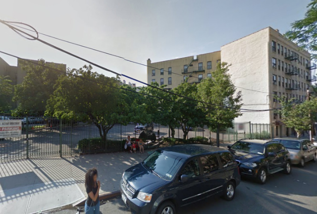 1561 Walton Street, image from Google Maps