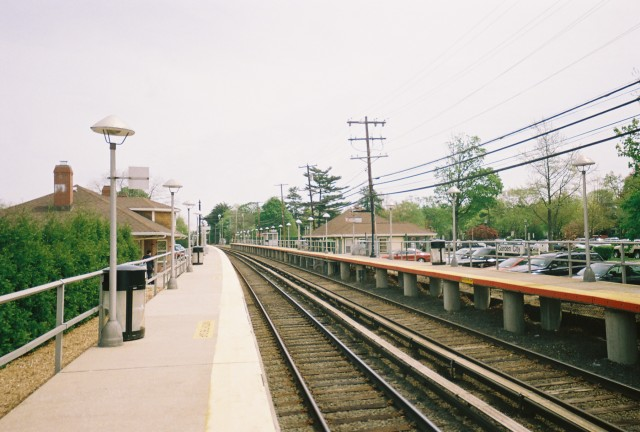 The LIRR station at Garden City, which hasn't issued permits for any apartment buildings since 1987. Image from Wikimedia.