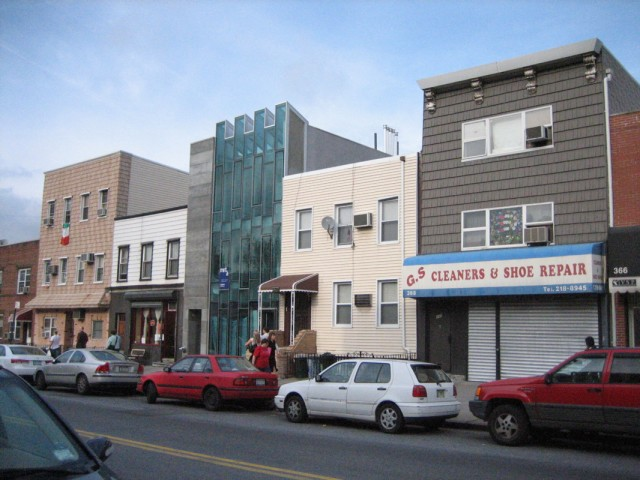 East Williamsburg, with extreme demand and no redeeming architectural value, remains stunted at two and three stories. Image from Wikimedia.