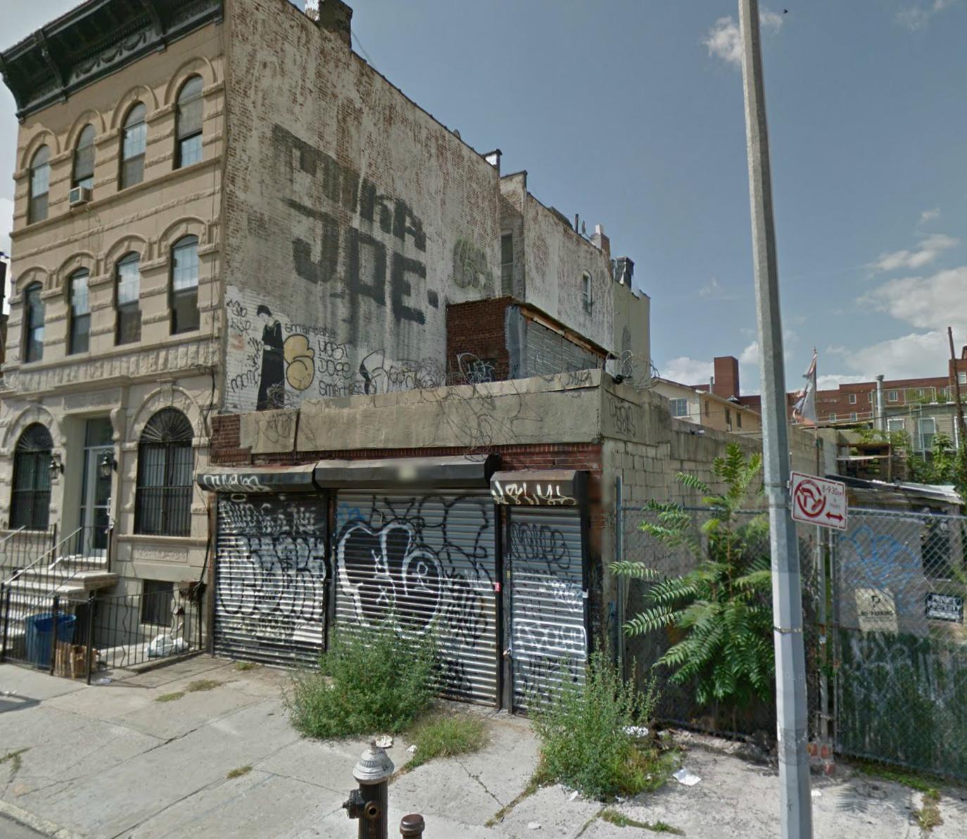 557 Hart Street