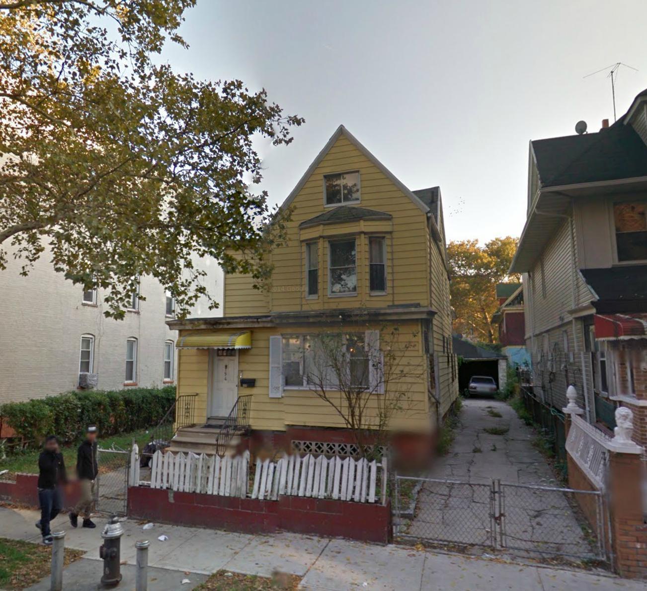 194 Hawthorne Street