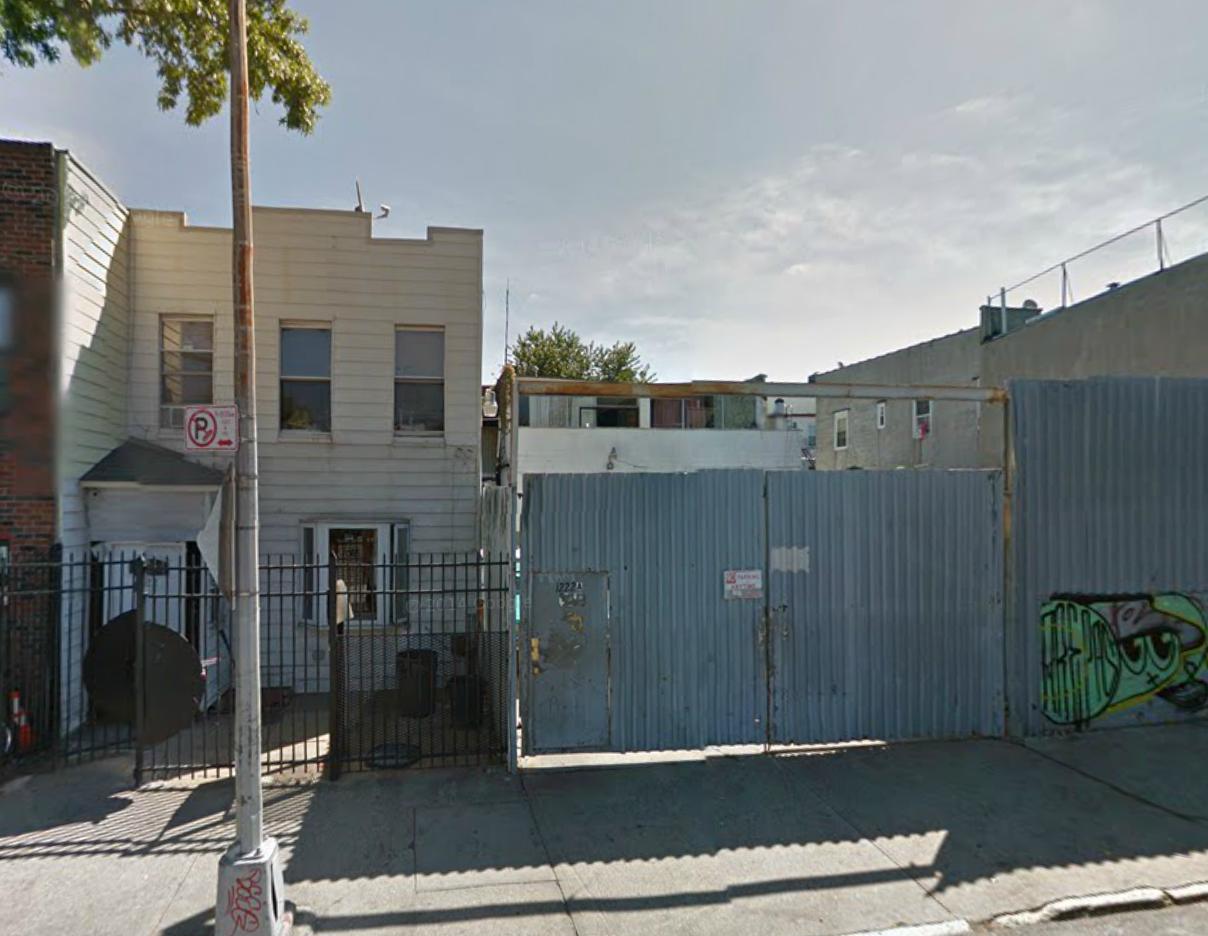 1222 Putnam Avenue