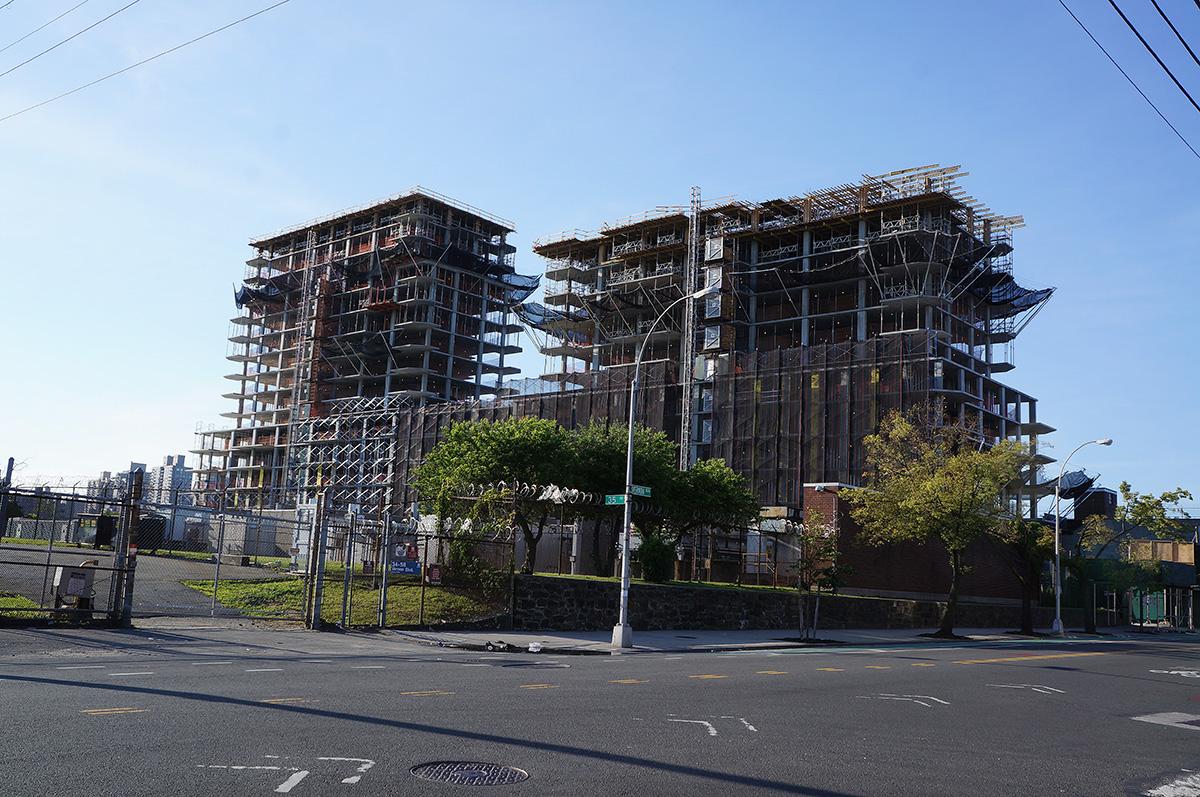 34-46 vernon boulevard construction 62015