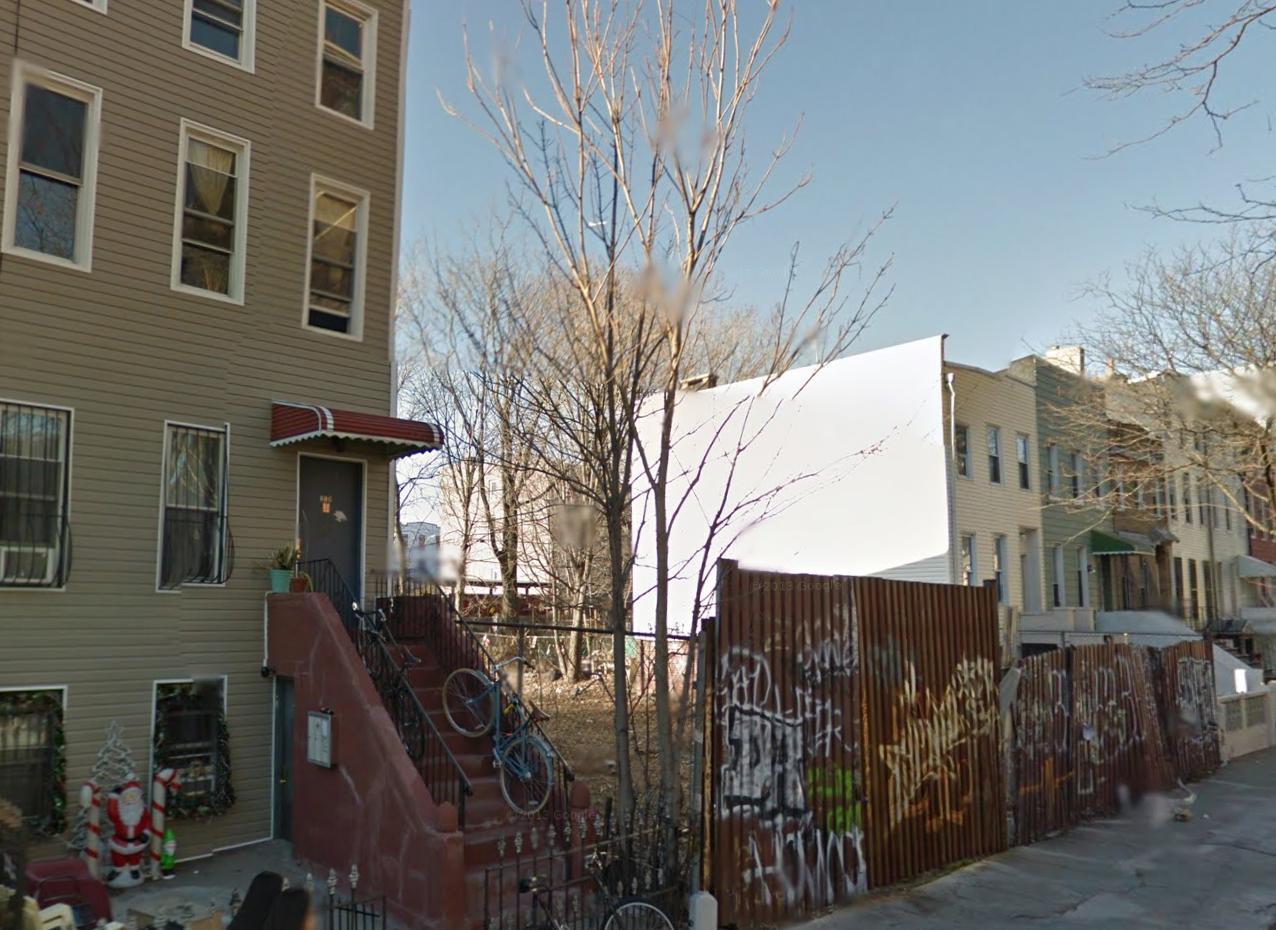 216 Spencer Street