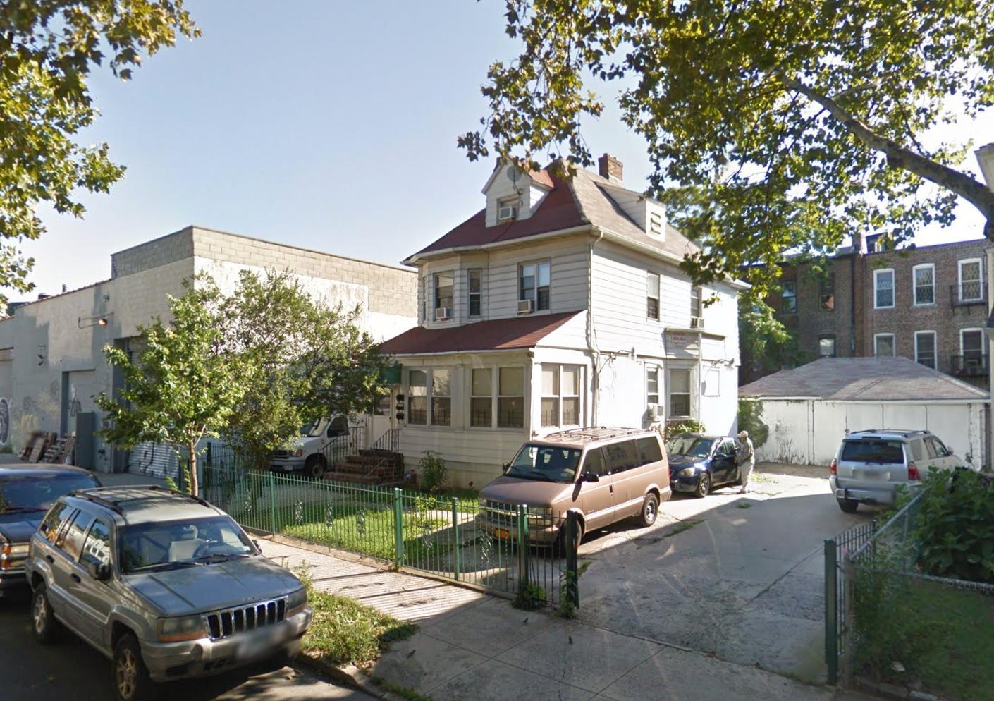 263 East 9th Street
