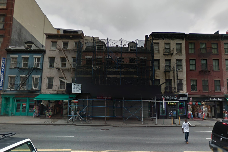 321 and 323 Canal Street in October 2014, image via Google Maps