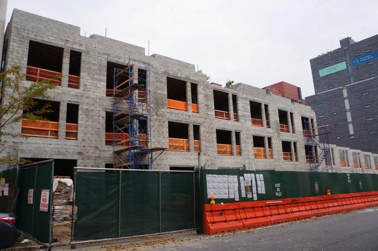 Townhouses under construction at 14-38 Vanderbilt Avenue