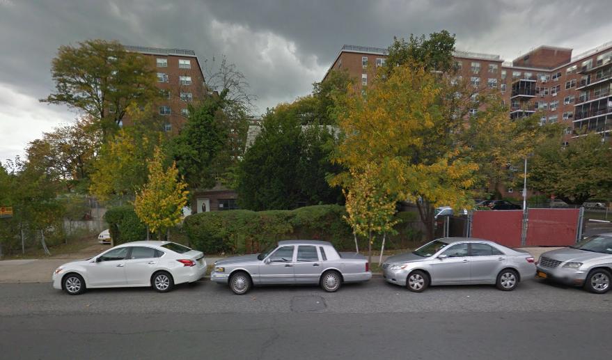 71-66 Parsons Boulevard, image via Google Maps