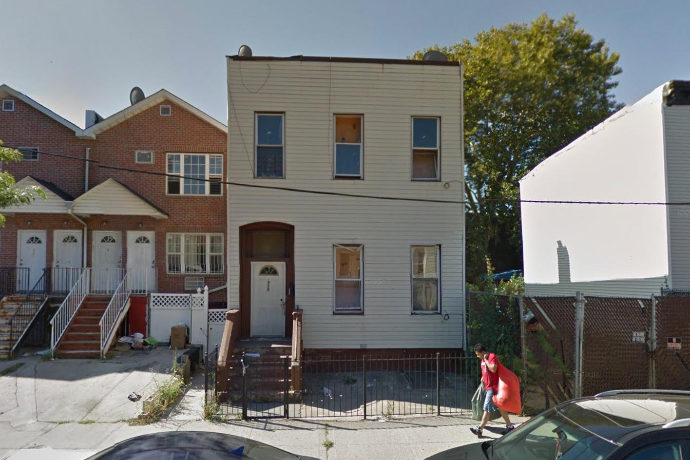 916 Herkimer Street