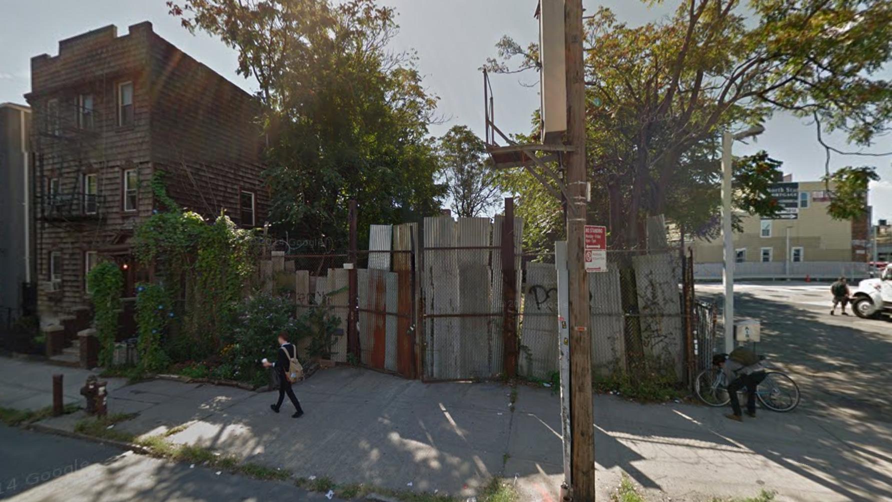 824 Metropolitan Avenue