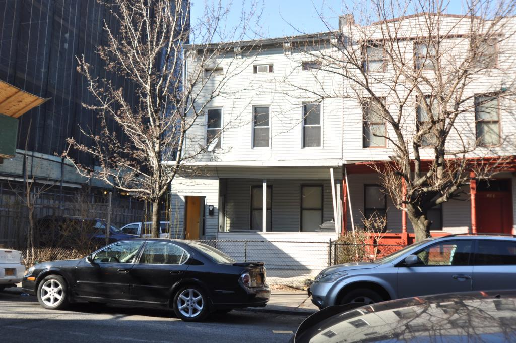 99 and 103 Grove Street in January 2015, photo by Christopher Bride for PropertyShark