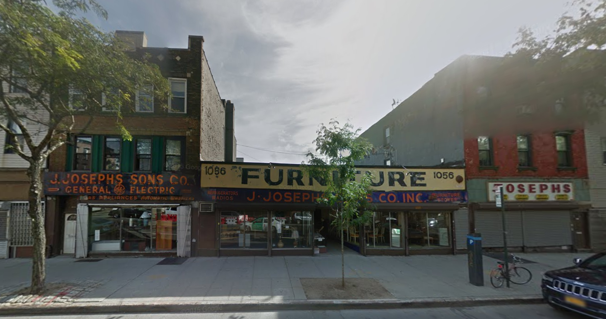 J. Josephs & Sons at 1052-1058 Manhattan Avenue in September 2015. image via Google Maps