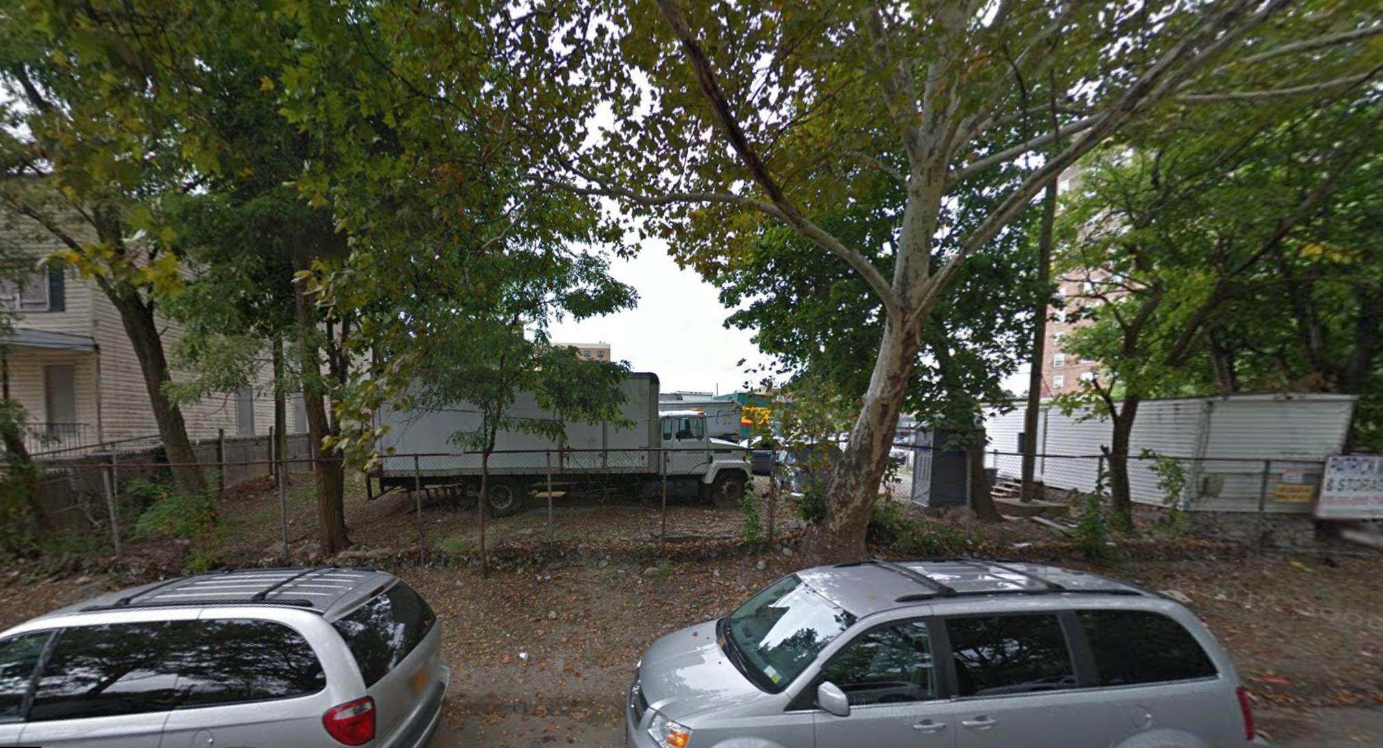 3365 Cruger Avenue, image via Google Maps
