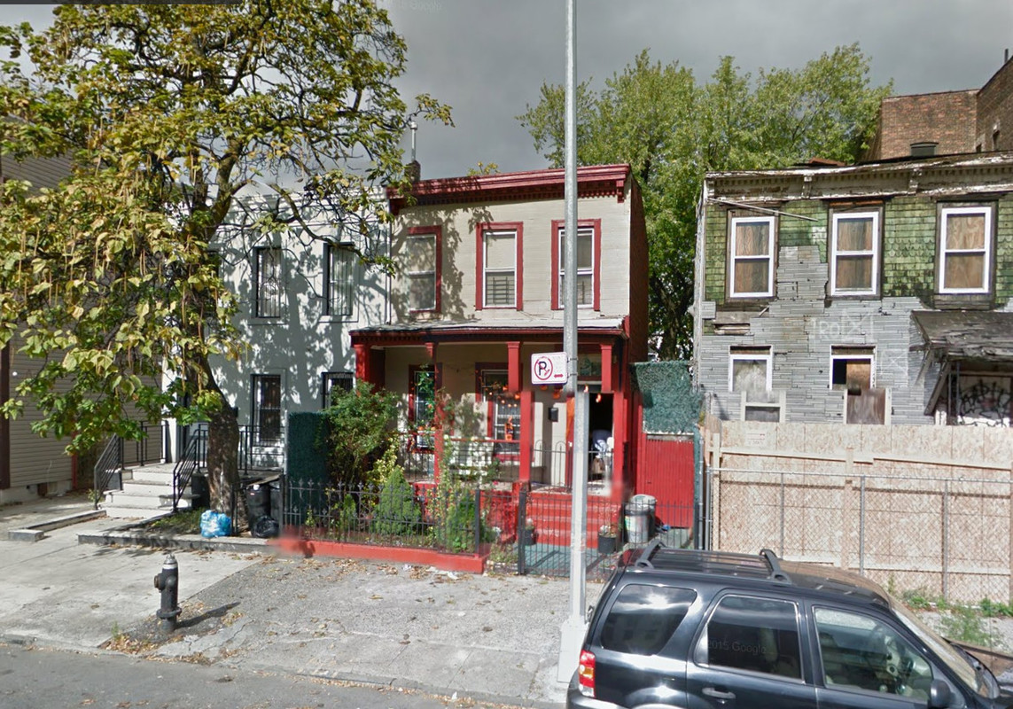 725 Lafayette Avenue