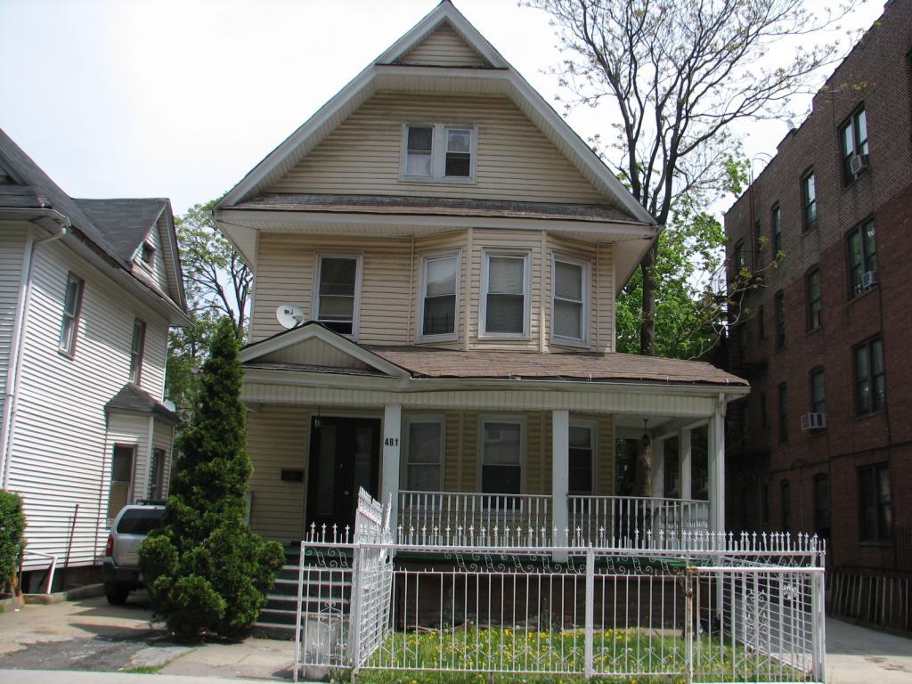 481 East 21st Street