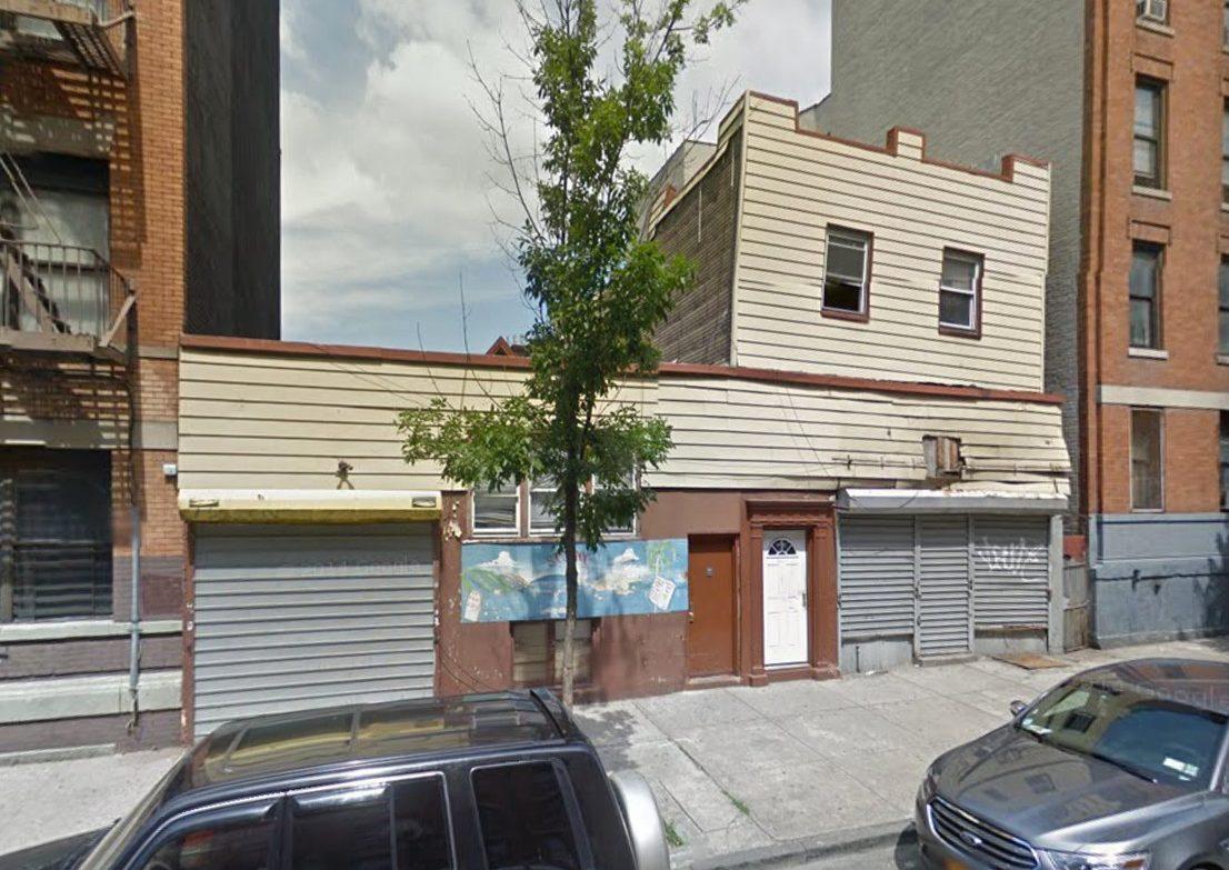 1135 Clay Avenue