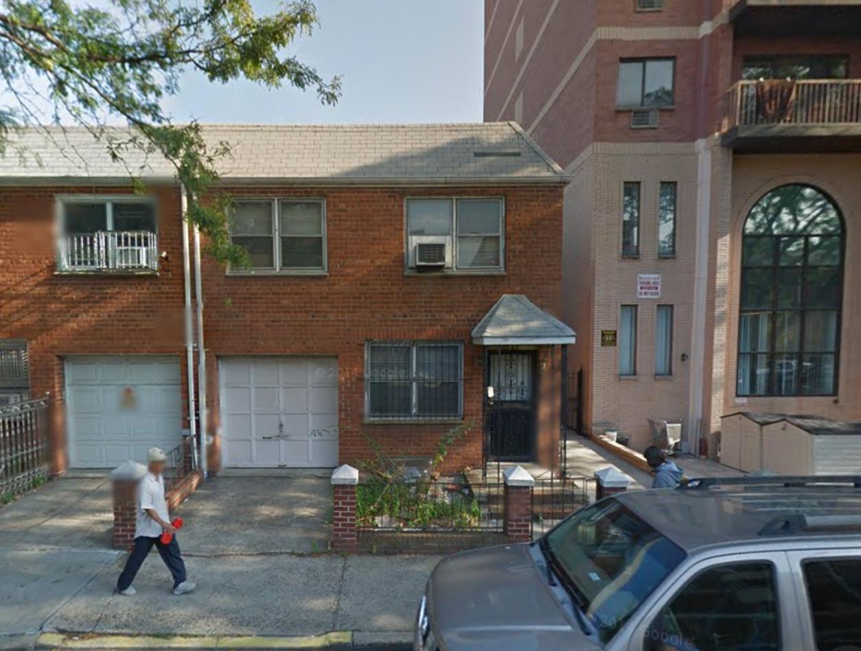 132-62 Pople Avenue