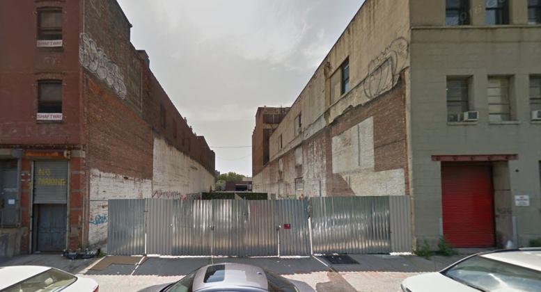 2568 Park Avenue, image via Google Maps