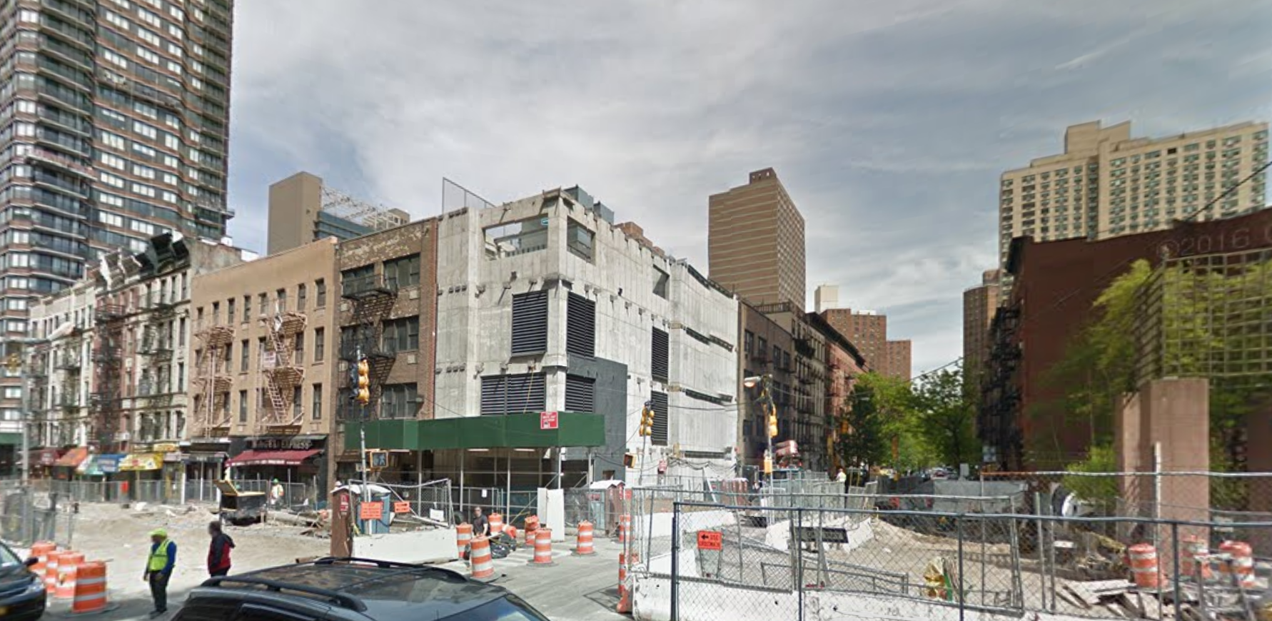 1802 Second Avenue in May 2016. image via Google Maps