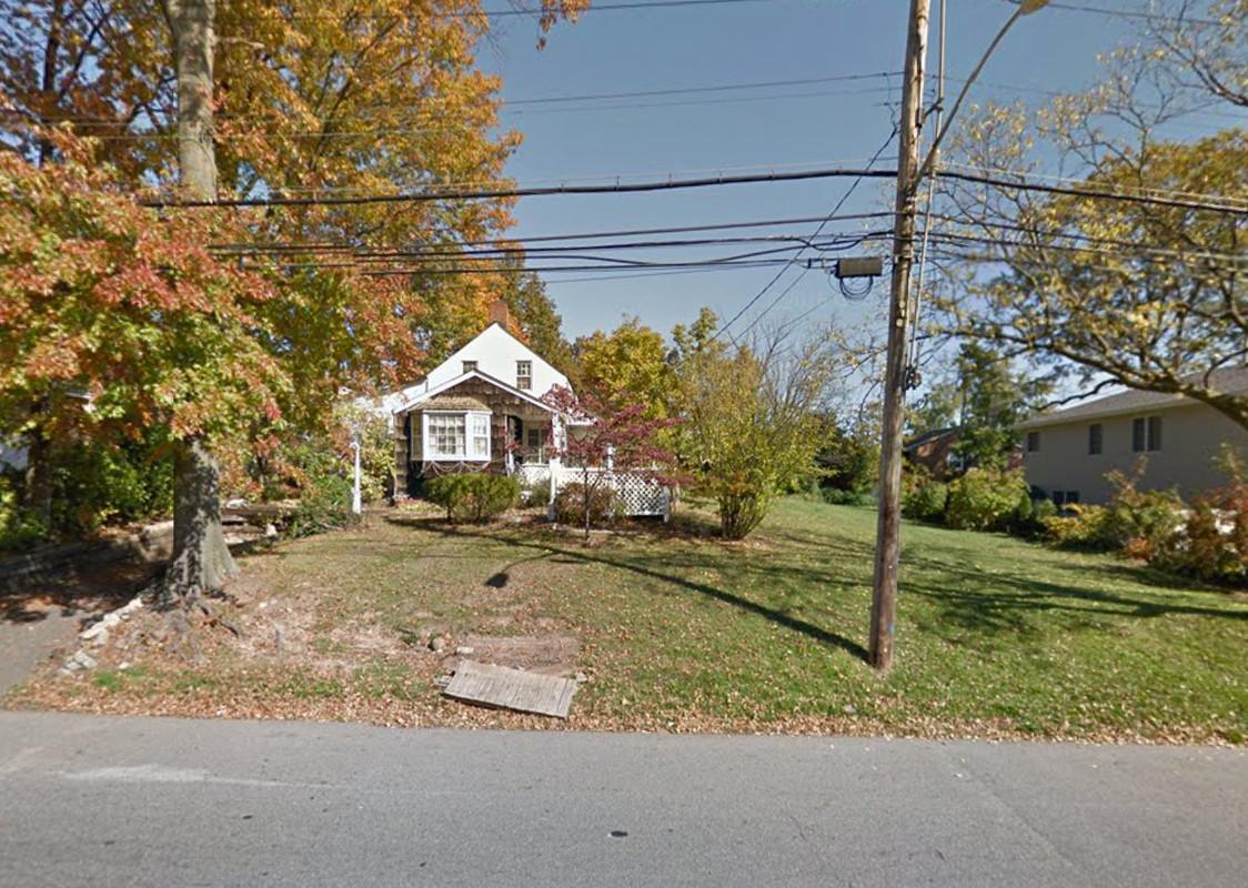 695 Huguenot Avenue