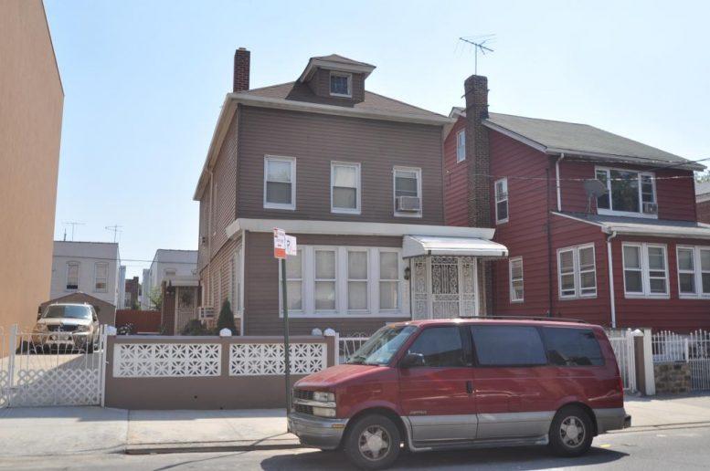 2426 Lyvre Street