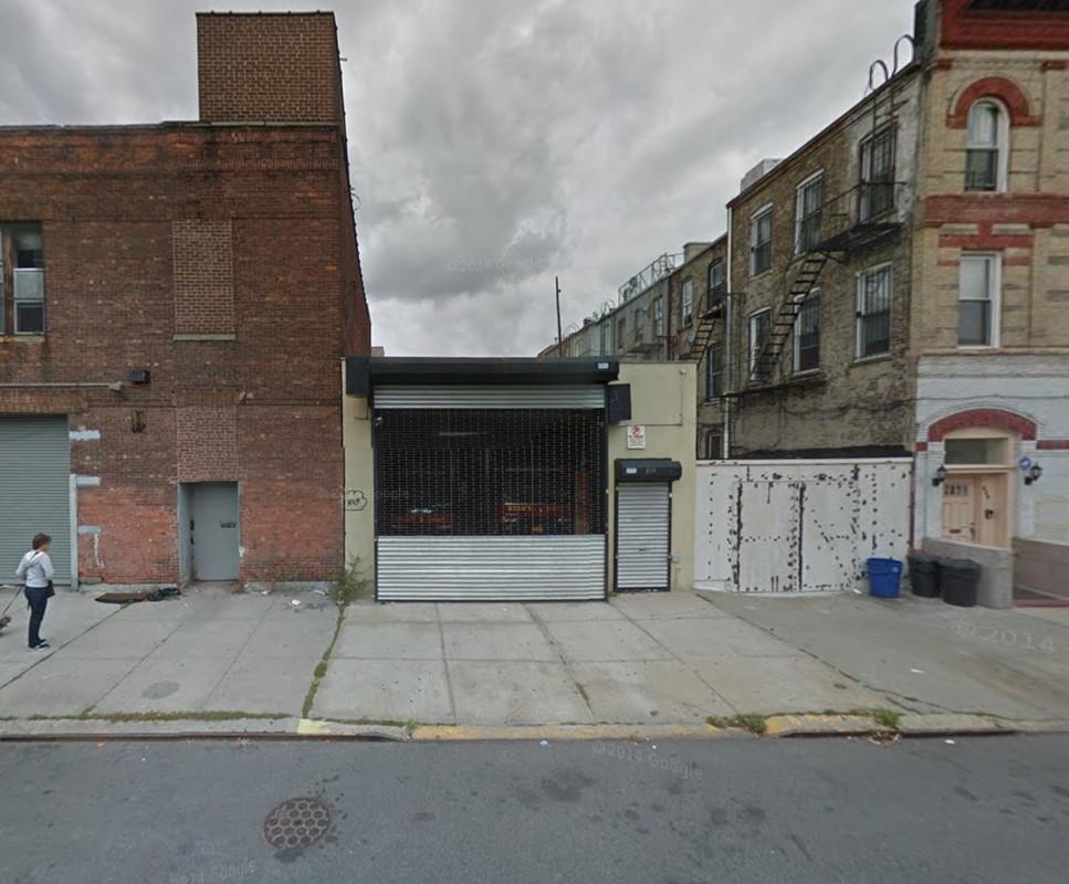 819 Lexington Avenue