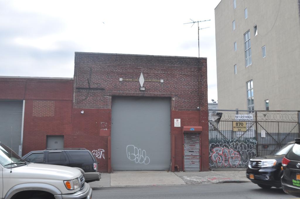 870 Metropolitan Avenue