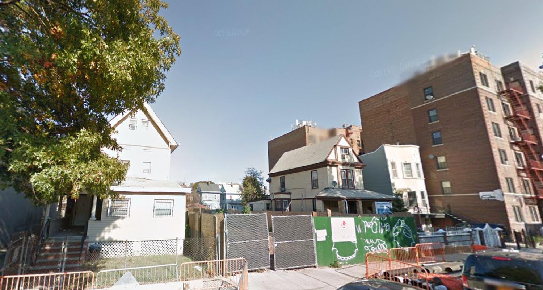 229 Hawthorne Street