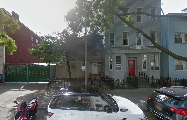 102 Huron Street, via Google Maps