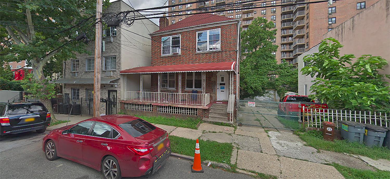 3013 Barker Avenue in Bronxwood, The Bronx