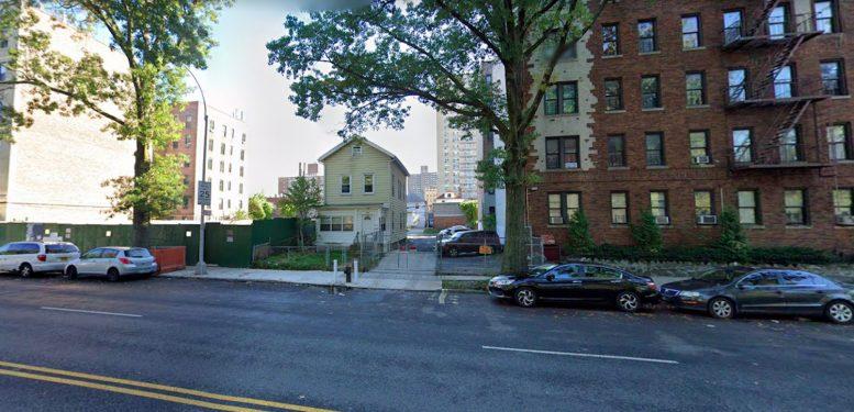 2428 Bronx Park East in Williamsbridge, The Bronx