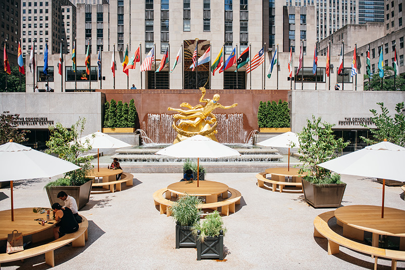 Outdoor summer dining in Rockefeller Center's Sunken Plaza - Tishman Speyer