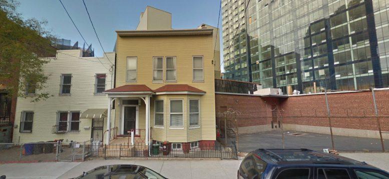 42-62 Hunter Street in Hunters Point, Queens
