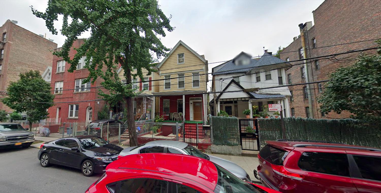 2702 Creston Avenue in Fordham, The Bronx